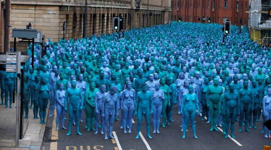 1468062080_spencer-tunick-hull