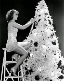 hollywood-starlet-christmas-pin-up-4