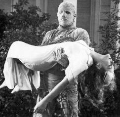 mummys-ghost-1944-carries-the-girl