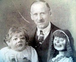 587ddd3e82455ccca37afecba4f26a47--scary-dolls-creepy-horror