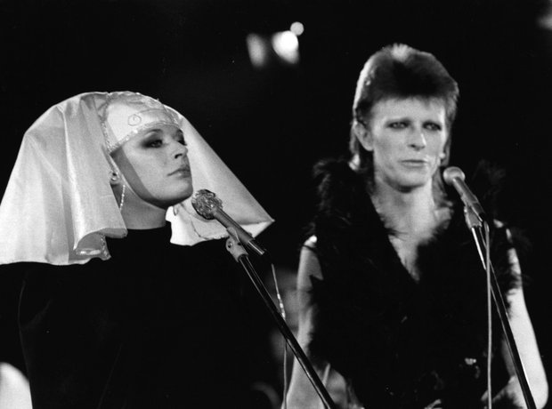 david-bowie-marianne-faithfull-2