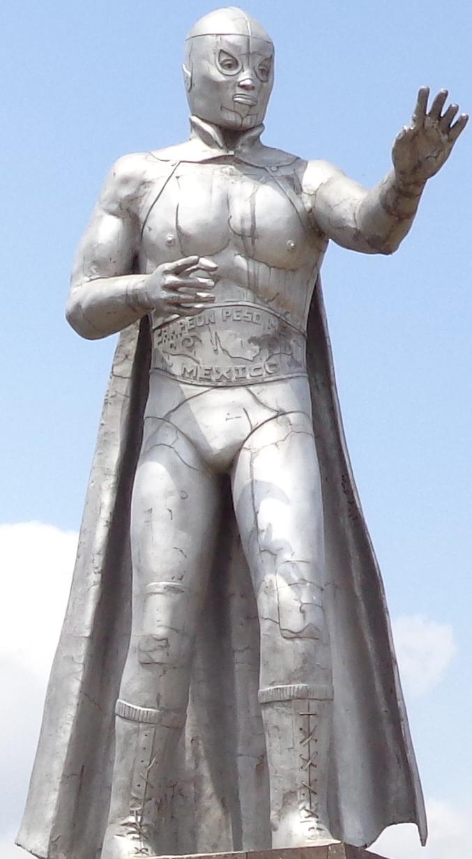 El_Santo_statue
