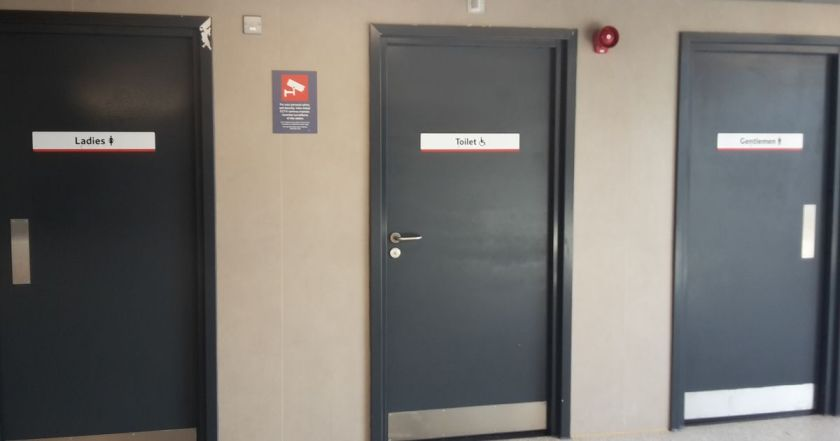 cambridge-train-station-toilet