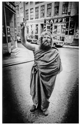 jens-jorgen-thorsen-jesus-christ-pose