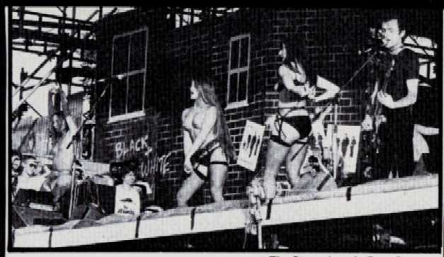 the-stranglers-strippers-1
